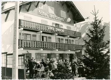 Black and white photo of Hotel les Cimes