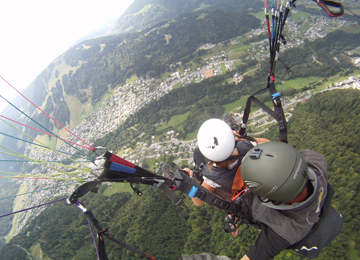Parapenting birds-eye view