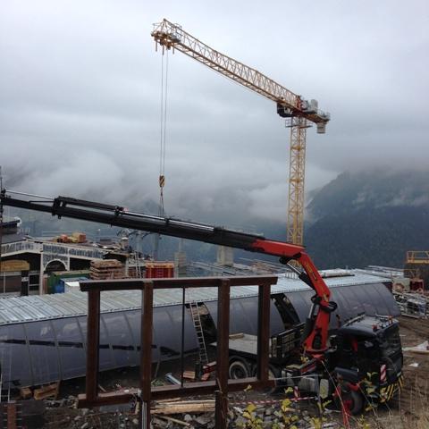 crane at top of pleney lift